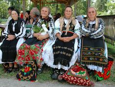 Traditional Romanian folk costumes are worn for holidays, special events, and folk dances. Each area has its own style of dress. Romanian Men, Folk Costume, Costumes, Folk Clothing, Folk Dance, Fashion History, Traditional Dresses, Fashion Dresses, Women's Fashion