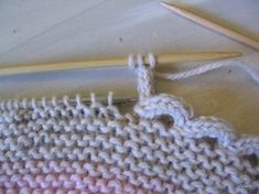 Find and save knitting and crochet schemas, simple recipes, and other ideas collected with love. Knitting Paterns, Knitting Stitches, Knitting Designs, Crochet Patterns, Crochet Blanket Border, Crochet Doily Rug, Diy Crafts Knitting, Diy Crafts Crochet, I Cord