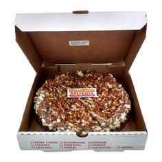 """NomNom Delights Chocolate Pizza Caramel Sea Salt Caramel flavor has a chocolate crust, popcorn """"cheese"""", pretzel and candy confetti topping with sea salt caramel drizzled on top. Chocolate Pizza, Love Chocolate, Chocolate Lovers, Chocolate Desserts, Easy Delicious Recipes, Snack Recipes, Yummy Food, Snacks, Yummy Treats"""