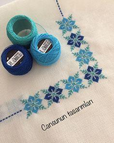 Cross Stitch Alphabet Patterns, Cross Stitch Charts, Cross Stitch Embroidery, Retro Christmas Tree, Sewing Stitches, Sewing Art, Cross Stitch Flowers, Plastic Canvas Patterns, Crafts To Do