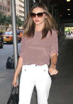 Miranda Kerr Catches Attention From New Yorkers