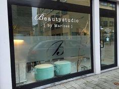 Massage Room Decor, Spa Room Decor, Beauty Room Decor, Beauty Salon Decor, Beauty Salon Design, Salon Interior Design, Boutique Interior, Glass Signage, Window Signage