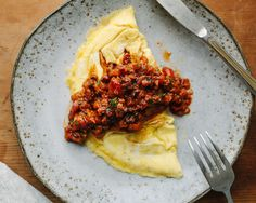 Two-Egg Omelet with Red Pepper–Walnut Spread #healthy #foodloverscleanse