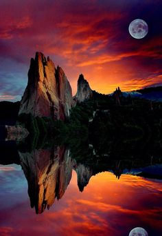 I used to live in Colorado and this was one of my favorite places there. Garden Reflections - Garden of the Gods in Colorado Springs, Colorado Beautiful Sunset, Beautiful World, Beautiful Places, Beautiful Pictures, All Nature, Amazing Nature, Flowers Nature, Amazing Grace, Landscape Photography