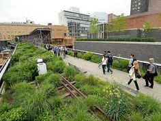 You'll still encounter plenty of out-of-towners snapping photos along the elevated park, which attracts thousands of visitors per day. But, unlike Times Square, there's plenty to see, including the brand-new final section of the park, which curves from 30th to 34th Streets.