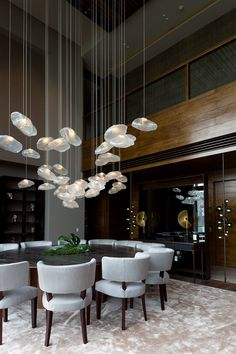 La preciosidad de los materiales y de las texturas resalta en esta casa diseñada por una de las interioristas más talentosas de México: Gloria Cortina.