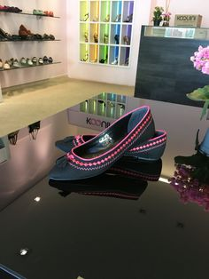 Olha só que linda #sapatilha bordada e com barbicacho 😍 #koquini #comfortshoes #euquero Compre Online: http://koqu.in/1VXBXA2