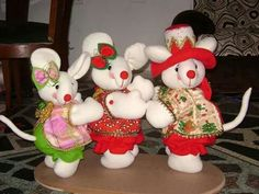 Ratones Christmas Deco, Christmas Ornaments, Christmas Animals, Holiday Decor, Food, Mice, Alphabet, Tela, Stuffed Toys