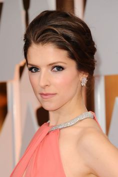 Anna Kendrick at the 2015 Oscars. http://beautyeditor.ca/2015/02/23/oscars-2015