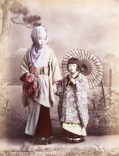 Mutter und Kind, Studioaufnahme. Kusakabe Kimbei, 1880er Jahre | © Reiss-Engelhorn-Museen/Forum Internationale Photographie