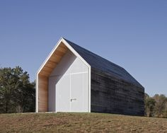 Hufft Projects, Pre Fab Shed in Kansas City, MO | Gardenista. I almost scrolled past this one but if your looking for some Utility Shed inspiration or just like minimal design then take a look. Be warned you risk getting hooked when you start tripping the links ;)