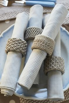 love these napkin rings #debbiebliss #magazine knit up in Eco Baby using a cardboard tube insert