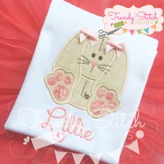 Floppy Bunny Applique Machine Embroidery by trendystitchdesigns Halloween Applique, Halloween Embroidery, Christmas Applique, Christmas Embroidery, Machine Embroidery Applique, Embroidery Fonts, Satin Stitch, Stitch Design, Applique Designs