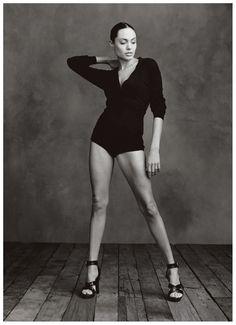 Annie Leibovitz - Angelina Jolie, 2002
