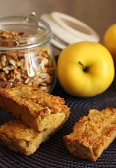 Barres aux pommes et noix recette Weight Watchers – ChezCachou Here is a recipe for apple and nut bars ideal for breakfast today. I eat them with tea and plain yogurt. If you are Weight Watchers fans, a bar is… Continue Reading → Easy Summer Desserts, Ww Desserts, Healthy Desserts, Dessert Recipes, Healthy Egg Recipes, Apple Recipes, Brunch Recipes, Breakfast Recipes, Plats Weight Watchers