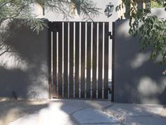 wooden-gate-modern-steel-driveway-gates-iron-work-contemporary-exterior-grizzly-iron-inc.jpg (640×480)