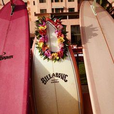 Pretty in pink. @billabongwomens #surfinginspiration
