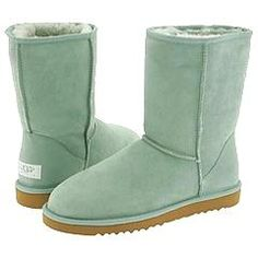 uggs uggs uggs uggsHUGE 2 FAMILY GARAGE SALE Friday and Saturday at 424 Fairview Ave!! All name brand clothes and tons of household items and toys!! Items go quickly so hurry over!! August 17 & 18. 8:00 till 4:00 both days!!!