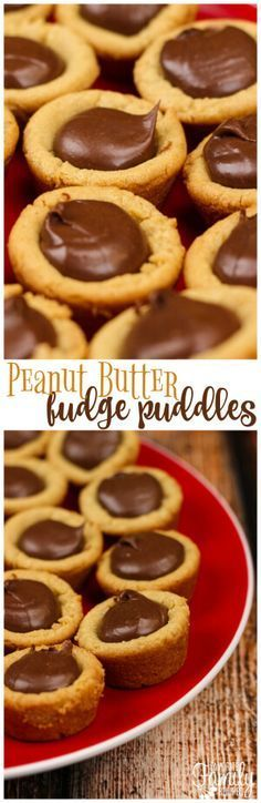 Peanut Butter Fudge Puddles are a chewy peanut butter cookie cup with a chocolatey fudge filling. They are like a reverse Reese's Peanut Butter Cup! via dessert Chewy Peanut Butter Cookies, Fudge Cookies, Peanut Butter Fudge, Peanut Butter Recipes, Cookie Butter, Butter Pie, Sandwich Cookies, Shortbread Cookies, Köstliche Desserts