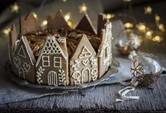 Gingerbread Cookie House Christmas Cake