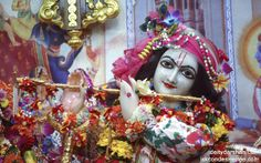 To view Gopinath Close Up Wallpaper of ISKCON Chowpatty in difference sizes visit - http://harekrishnawallpapers.com/sri-gopinath-close-up-wallpaper-018