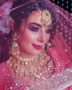 Glam Makeup Look, Bridal Makeup Looks, Indian Bridal Makeup, Bridal Looks, Hindu Wedding Photos, Wedding Poses, Wedding Photoshoot, Desi Wedding, Wedding Bride