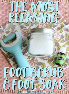 This foot scrub and foot soak are the best I've ever tried! That Amopé™ Pedi Perfect Wet & Dry Rechargeable Foot File made my feet so soft! Definitely will be using this essential oil recipe again! Homemade Foot Soaks, Diy Foot Soak, Homemade Skin Care, Vintage Modern, Listerine Foot Soak, Foot Soak Recipe, Pedi Perfect, Dry Skin On Face, Soft Feet
