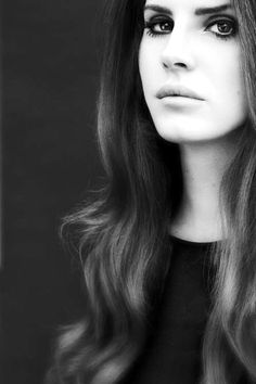Lana Del Rey - she has flawless hairs