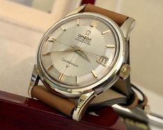 Omega Constellation 1966 vintage original dial pie pan crosshair men's gold watch serviced CAL 561 with 6 month warranty + box Best Watches For Men, Vintage Watches For Men, Luxury Watches For Men, Omega Railmaster, Omega Automatic, Watch Service, Omega Constellation, Modern Watches, Vintage Omega