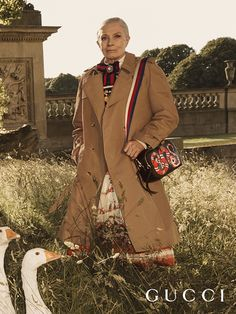Outside in the grounds of Chatsworth for the Gucci campaign, Vanessa Redgrave in a double-breasted trench, pleated printed silk skirt, striped merino knit and embroidered bag with a Web stripe strap. Gucci Fashion, Fashion 2017, Fashion Photo, Andy Warhol, Vanessa Redgrave, Alessandro Michele, Fashion Advertising, Embroidered Bag, Silk Skirt