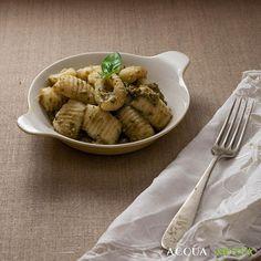 Gnocchi di patate con pesto di zucchine per MTC59. Un delicato condimento per un piatto gustoso e delicato. Recipe on www.acquaementa.com. #gnoccooftheday #gnocco #pesto #zucchine #zucchini #italianfood #food #cibo #cucina #cucinare #italiandish #gnocchi #cooking #gnam #ilovecooking #ilovefood #instafood #foodofinstagram #tasty