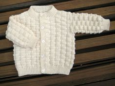 Basket Weave Baby Sweater from www.carole.barenys.com (free pattern)
