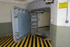 Emergency Medical Center Fighting EBOLA Has Reportedly Moved To UnderGround Bunker (Video) Underground Bunker Plans, Underground Shelter, Abandoned Buildings, Abandoned Places, Bunker For Sale, Bunker Home, Secret Bunker, Bunker Hill Monument, Doomsday Bunker