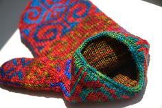 Ravelry: Fiddlehead Mittens pattern by Adrian Bizilia