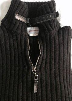Kupuj mé předměty na #vinted http://www.vinted.cz/muzi/svetry-and-mikiny-ostatni/15583748-versace-classic-pansky-svetr