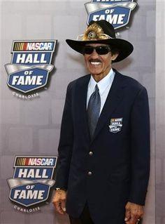 Richard Petty, King Richard, Nascar Champions, Soccer Sports, Soccer Jerseys, College Basketball, Hockey, Nfl Baltimore Ravens, Nascar Race Cars