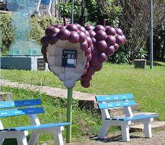 Orelhão de uvas em Caxias do Sul, Rio Grande do Sul