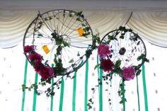 Aranajament floral bujori Bicycle Wedding, Dream Catcher, Wedding Inspiration, Floral, Home Decor, Dreamcatchers, Decoration Home, Room Decor, Florals