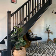 Dark Staircase, Dark Hallway, Tiled Hallway, Hallway Flooring, Hallway Carpet, Modern Hallway, Carpet Stairs, Staircase Design, Entrance Hall Decor