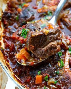 Osso Bucco (Braised Beef Shanks Recipe) This was a really helpful recipe. I Idid tweak it a bit for my taste. I don't really love chunks of tomato in braised things, so I used 2 Osso Bucco Beef, Osso Bucco Porc, Pork Shanks Recipe, Osso Bucco Slow Cooker, Italian Recipes, Beef Recipes, Cooking Recipes, Natural Remedies, Gourmet