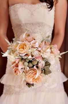 Romantic vintage Peach wedding bouquet