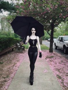 Neil Gaiman's Death Comes To Life With This Cosplay
