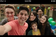 This is a photo of the cast from the last episode of Nowhere Boys Season Netflix, Epic Movie, Movie Tv, Nowhere Boys, Every Witch Way, Drake And Josh, Lost In The Woods, Holby City, A Series Of Unfortunate Events