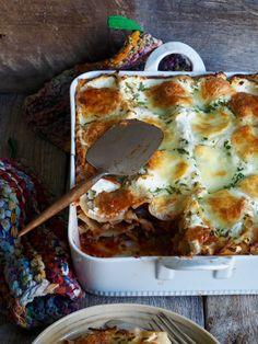 Synes du 'vanlig' lasagne ligger litt tungt i magen kan du prøve denne oppskriften på vegetarlasagne med squash og aubergine. Kjempegodt!!!