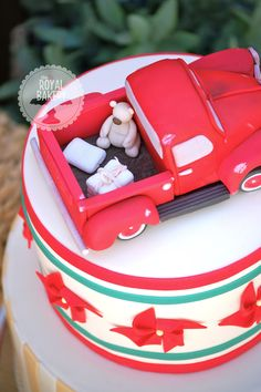 The Royal Bakery - Fondant Vintage Truck with Teddy Bear and Diapers/Nappies.