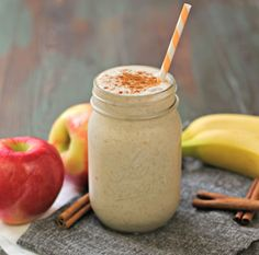 Paleo Cinnamon Roll Smoothie