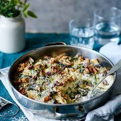 Lasagne med grönkål, valnötter & svamp Easy Healthy Recipes, Raw Food Recipes, New Recipes, Vegetarian Recipes, Cooking Recipes, Veg Lasagne, Good Food, Yummy Food, Simply Recipes