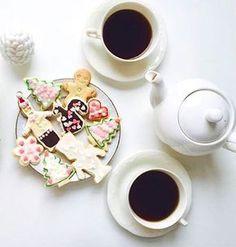 Happy Saturday #SpinnCoffee in #ChristmasMood ☕️ #caffeine #Christmas #photooftheday #coffeelover #coffeelovers #coffeemaker #coffeetime #coffeebean #coffeeshots #coffeebreak #coffeeclub #coffeeporn #coffeedate #coffeelife #coffeegram #coffeemug #coffeelike #blackcoffee #caffeine #coffeeaddict #coffeemachine