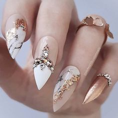 Nail art Christmas - the festive spirit on the nails. Over 70 creative ideas and tutorials - My Nails Prom Nails, Bling Nails, Bridal Nails, Wedding Nails, Trendy Nails, Cute Nails, Hair And Nails, My Nails, Stiletto Nail Art