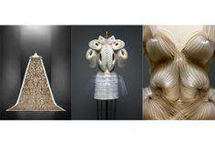 今年も5月5日から8月14日(現地時間)まで、毎年恒例のメトロポリタン美術館(通称、MET)にあるCostume Instituteの展覧会が開催される。題して、「Manus x Machina : Fashion in an Age of Technology(テクノロジーの時代におけるファッション)」。さて、今年の見どころは? ※セレブが集うMETガラの様子は4日に公開予定!